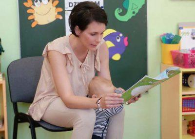 czyta-mama-Dorotki-(12)