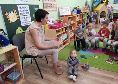 czyta-mama-Dorotki-(2)