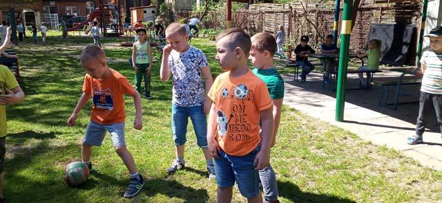"""Majowe zabawy w ogrodzie przedszkolnym w gr.III """"Tygryski"""""""