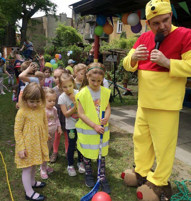 Dzień Dziecka – zabawy taneczne, korowody, liczne atrakcje i konkursy w ogrodzie przedszkolnym