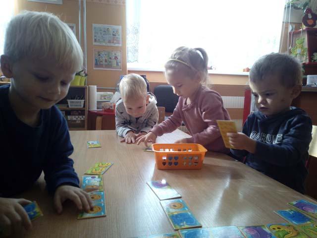 Pierwsze zabawy w sali – gr. I – Krasnoludki