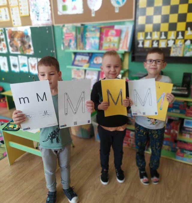 """Zabawy z literą m, M –  gr. III – """"Kosmonauci"""""""